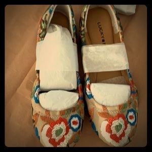 Lucky Brand Floral Embroidery Emme ballet flats